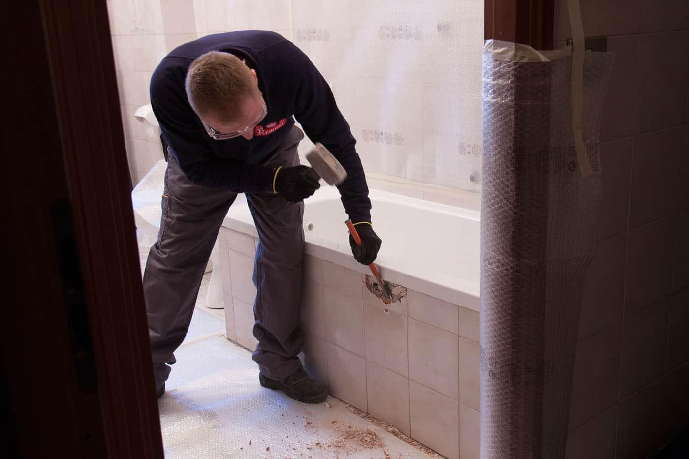 Taglio della vecchia vasca